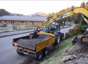Lettdumper 9 tonn: for mindre jobber og kjøring i terreng.